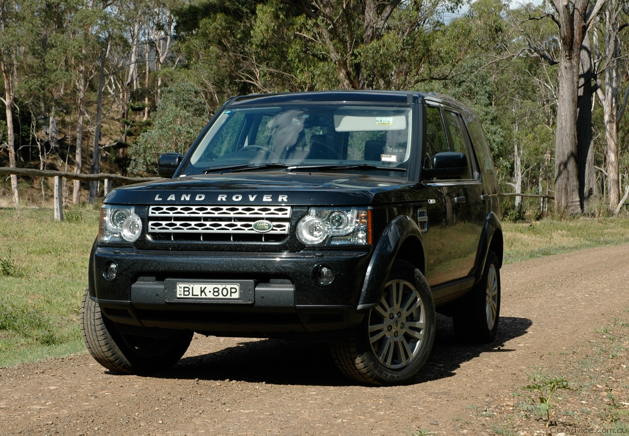 Land Rover Discovery black #4