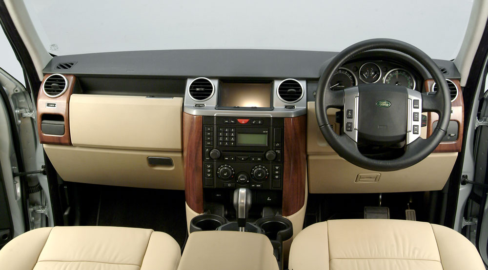 Land Rover Discovery interior #1