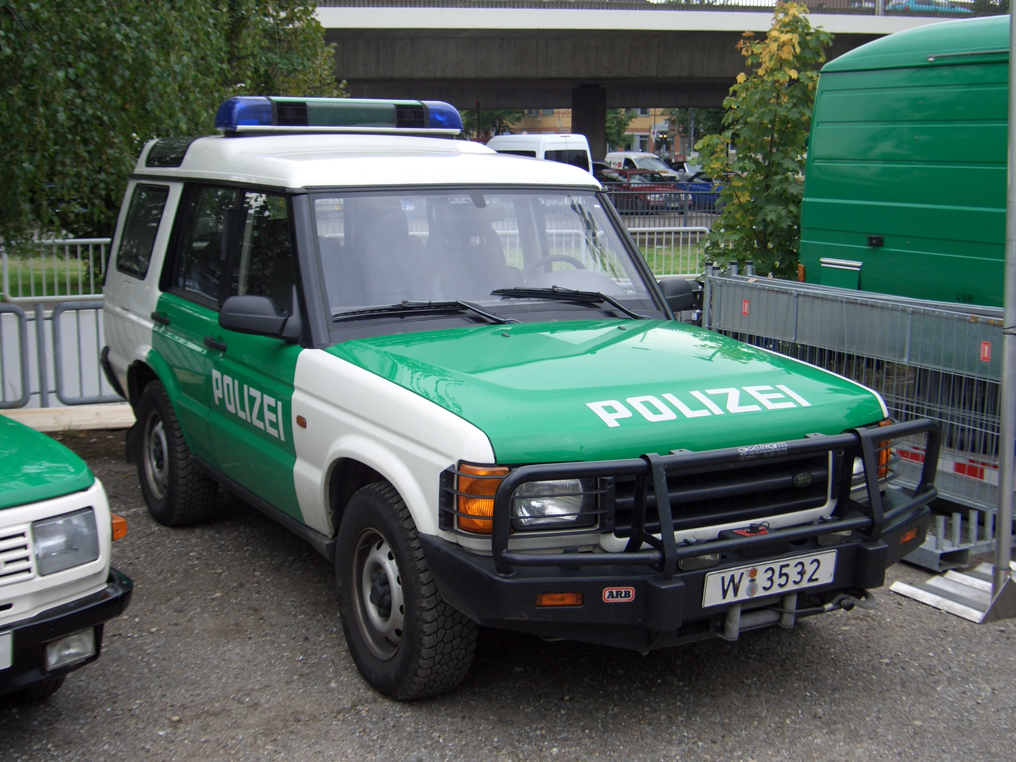 Land Rover Discovery Series II #2