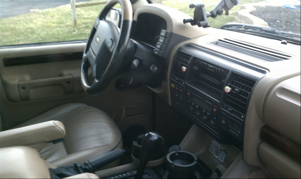Land Rover Discovery Series II interior #4