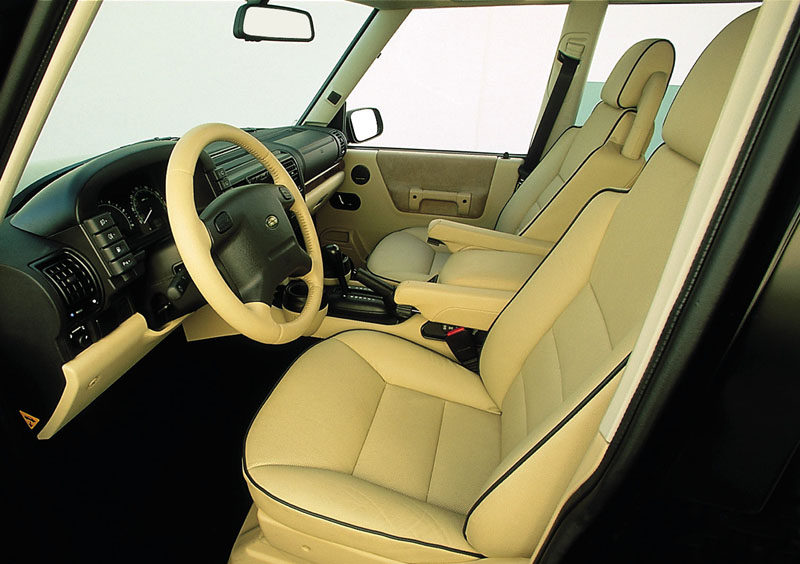 Land Rover Discovery Series II interior #1