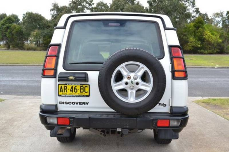 Land Rover Discovery Series II white #2