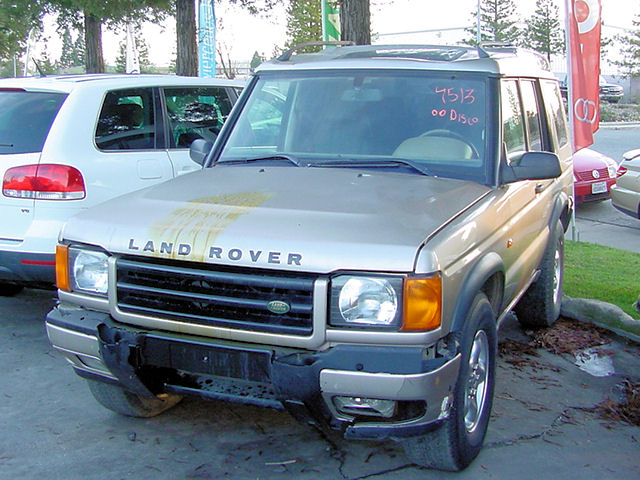 Land Rover Discovery Series II white #3