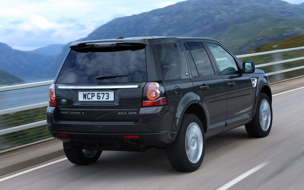 Land Rover LR2 black #2