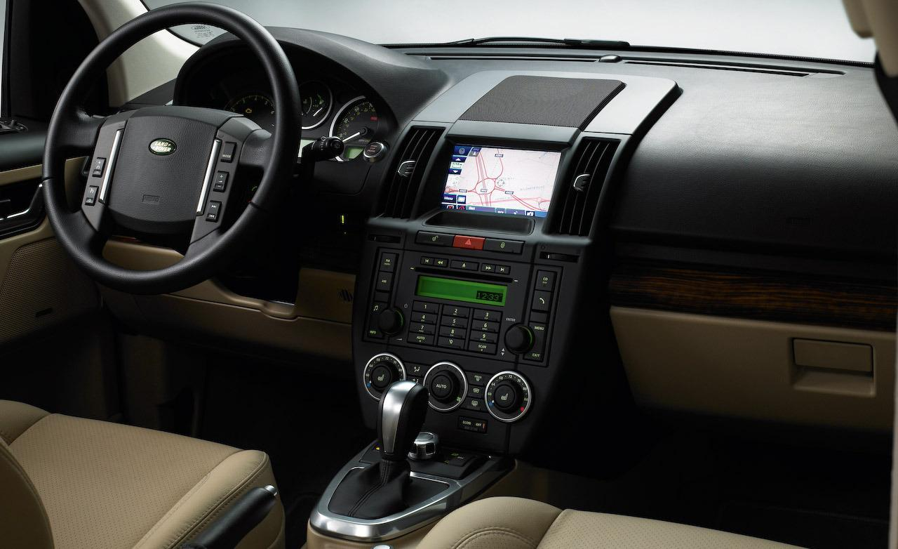 Land Rover LR2 interior #2