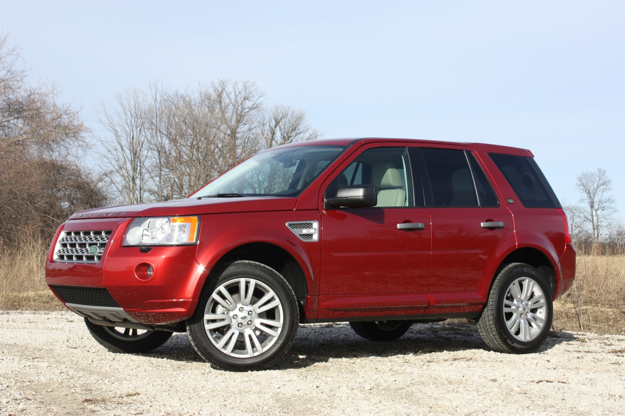 Land Rover LR2 red #4