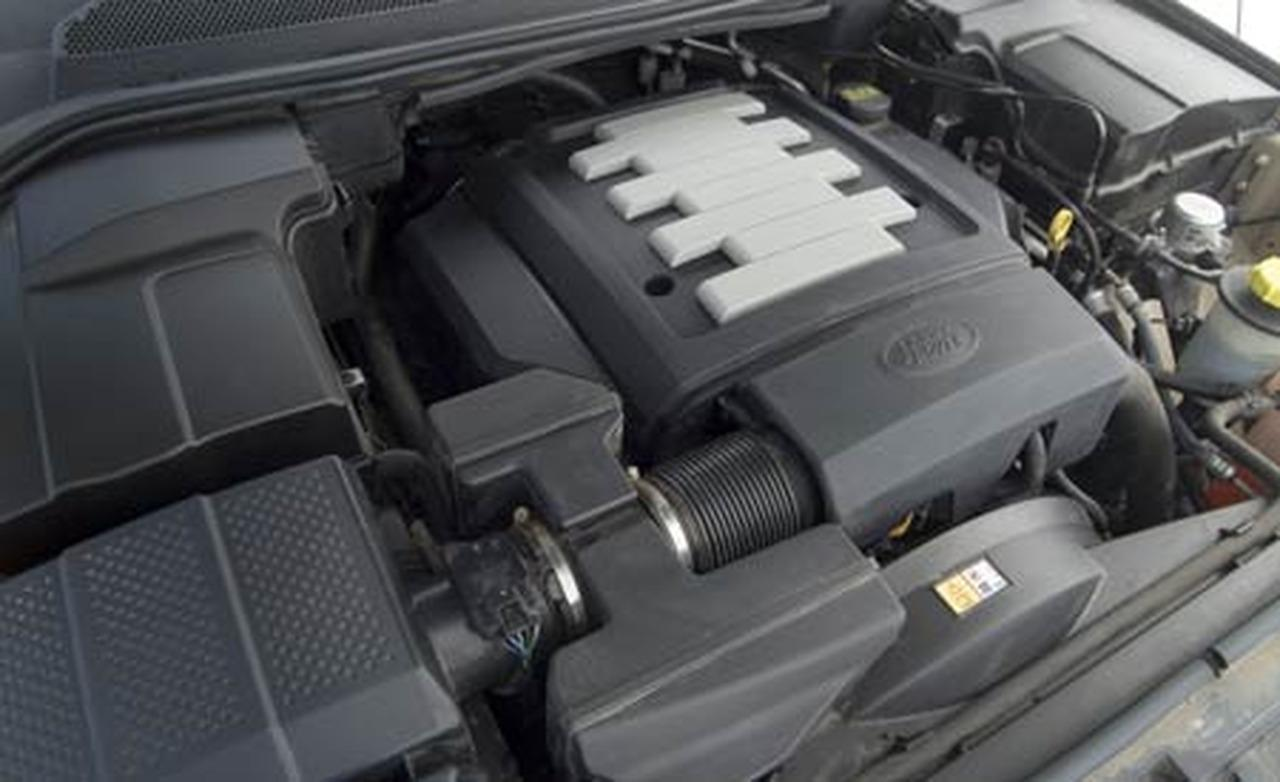 Land Rover LR3 engine #2