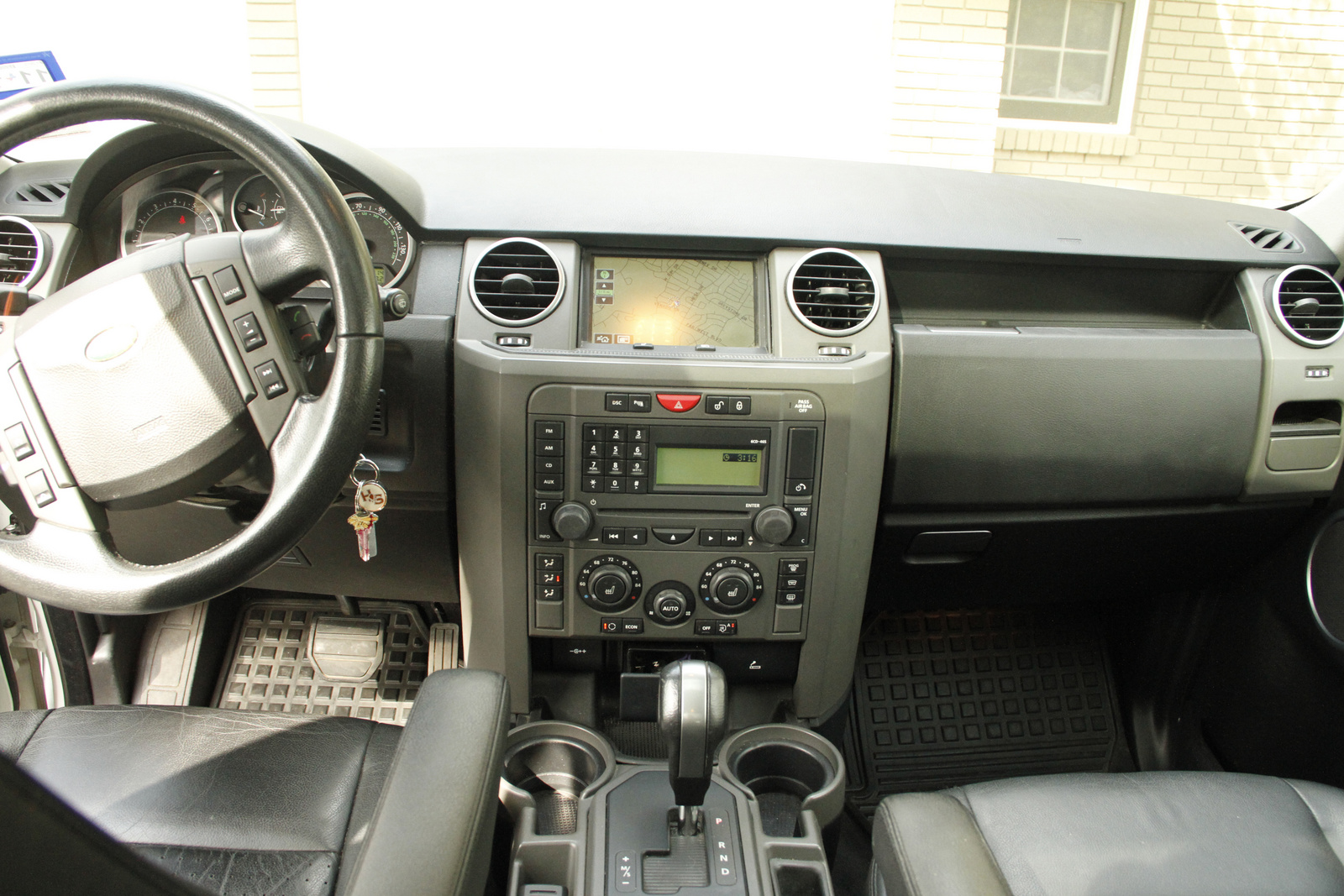 Land Rover LR3 interior #3