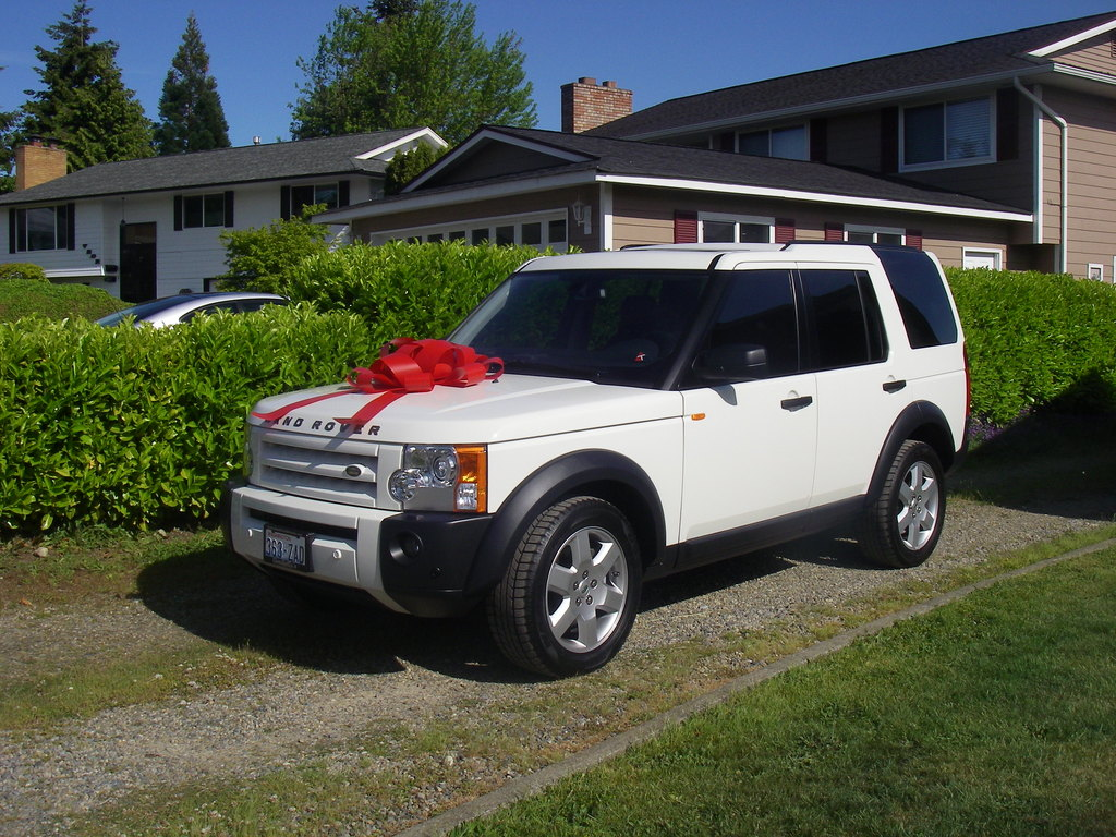 Land Rover LR3 white #1