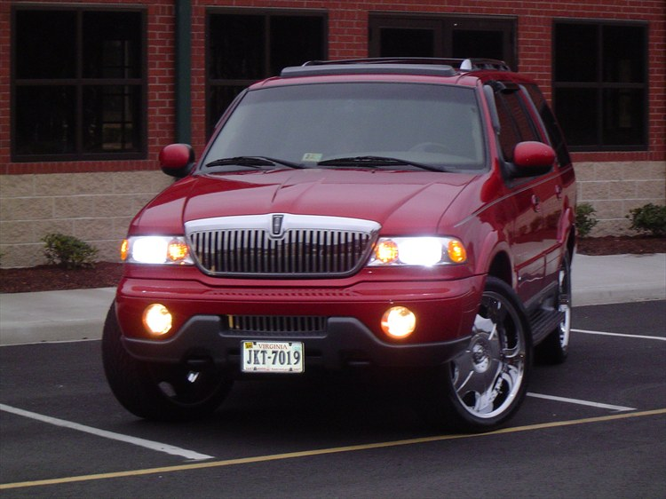 Lincoln Aviator red #3