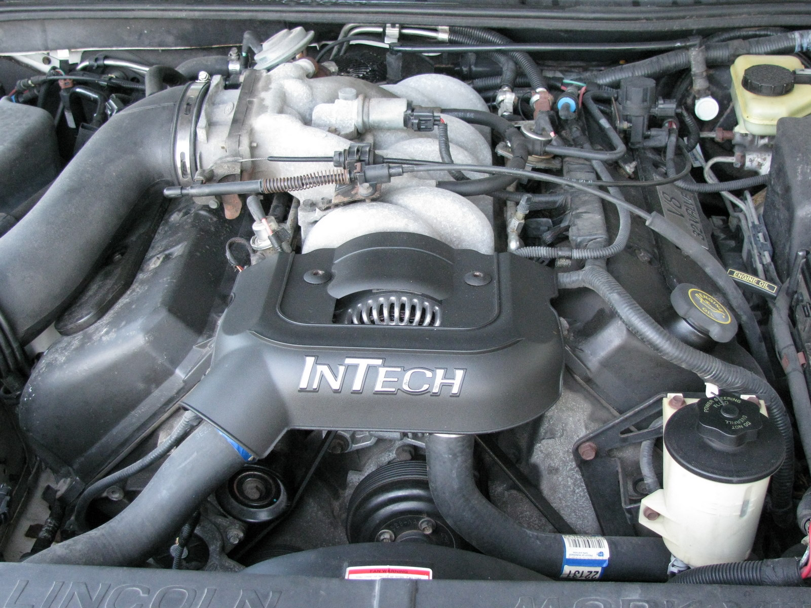 Lincoln Mark VIII engine #1