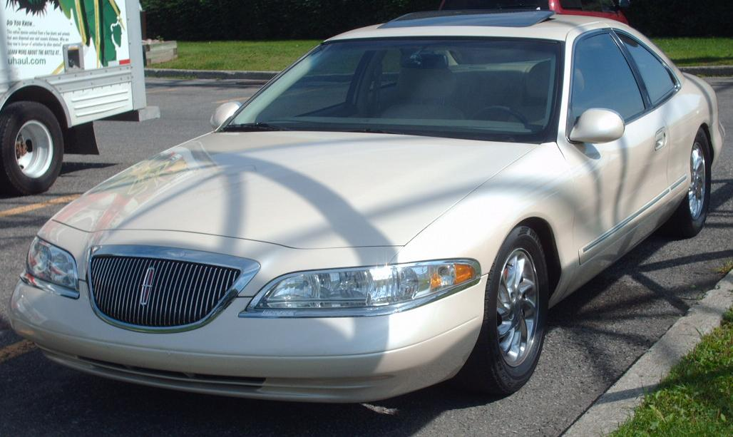 Lincoln Mark VIII white #2