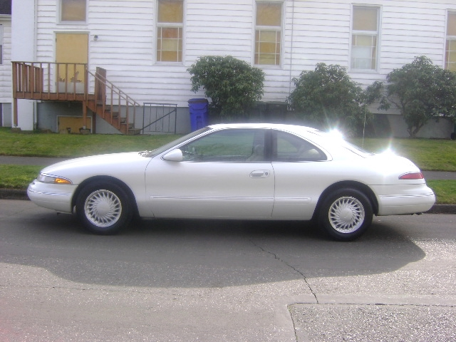 Lincoln Mark VIII white #3