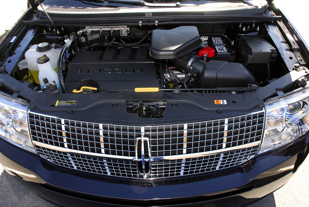 Lincoln MKX engine #2