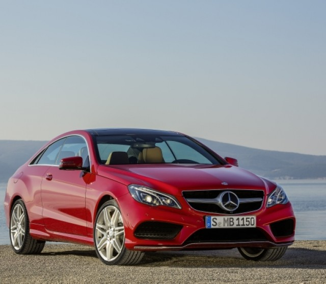 Mercedes-Benz E-Class red #2