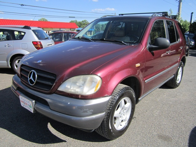 Mercedes-Benz M-Class red #1