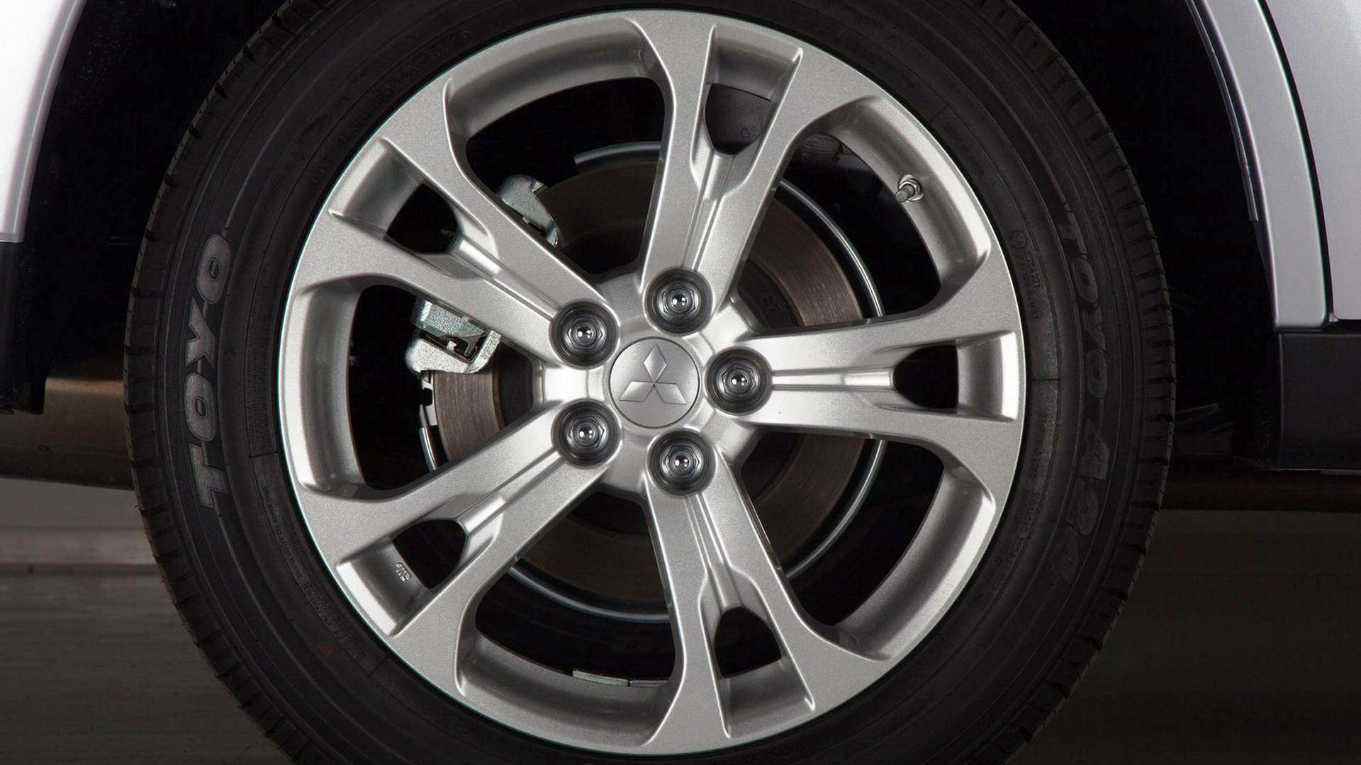 Mitsubishi Outlander wheels #3