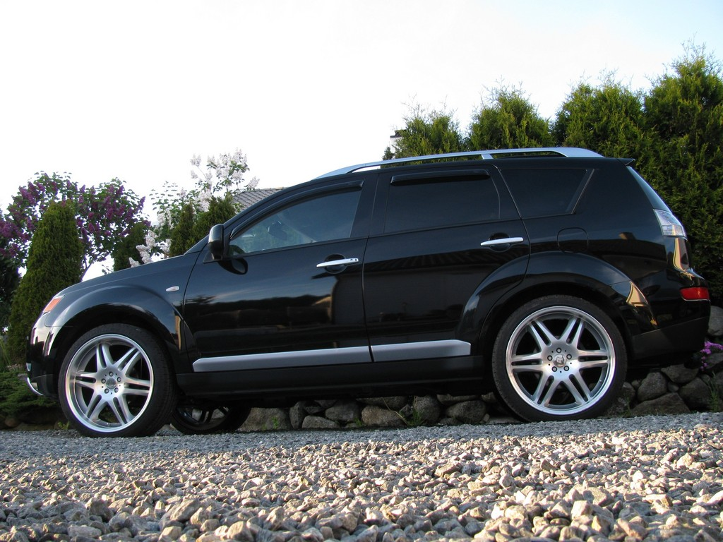 Mitsubishi Outlander wheels #1