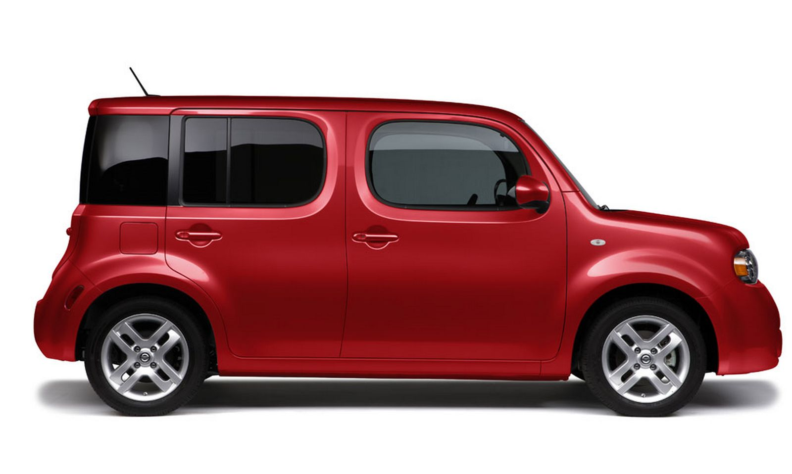 Nissan Cube red #2