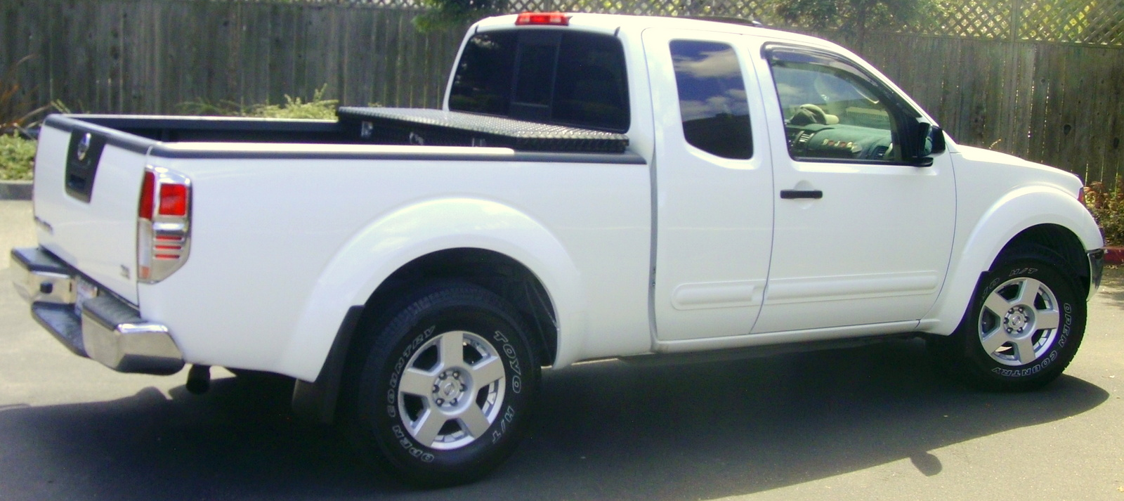 Nissan Frontier white #4