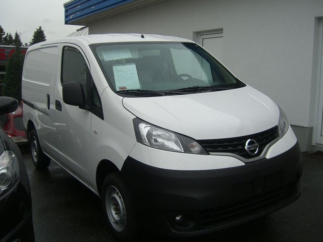 Nissan NV white #1