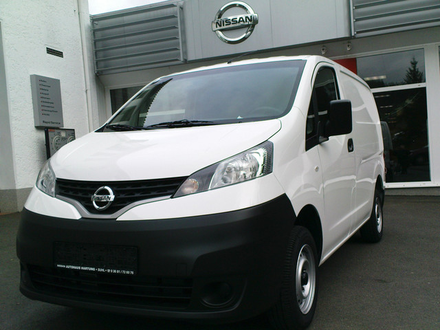 Nissan NV200 white #2
