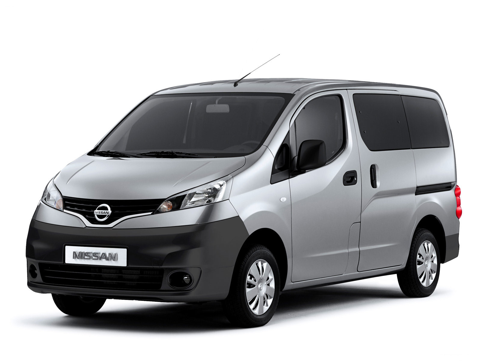 Nissan NV200 white #4