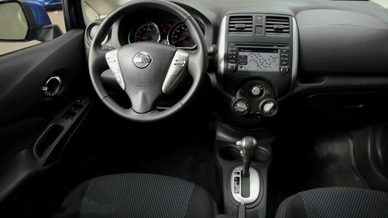 Nissan Versa Note interior #4