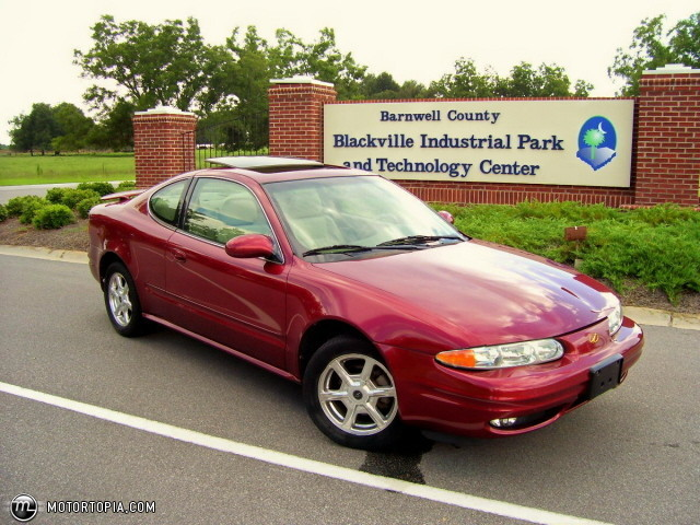 Oldsmobile Alero red #4