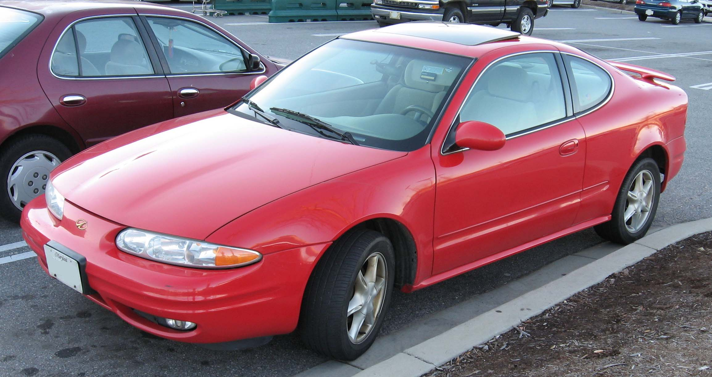 Oldsmobile Alero red #1