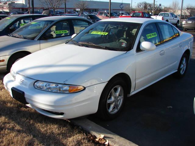 Oldsmobile Alero white #4