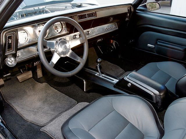 Oldsmobile Cutlass Supreme interior #3