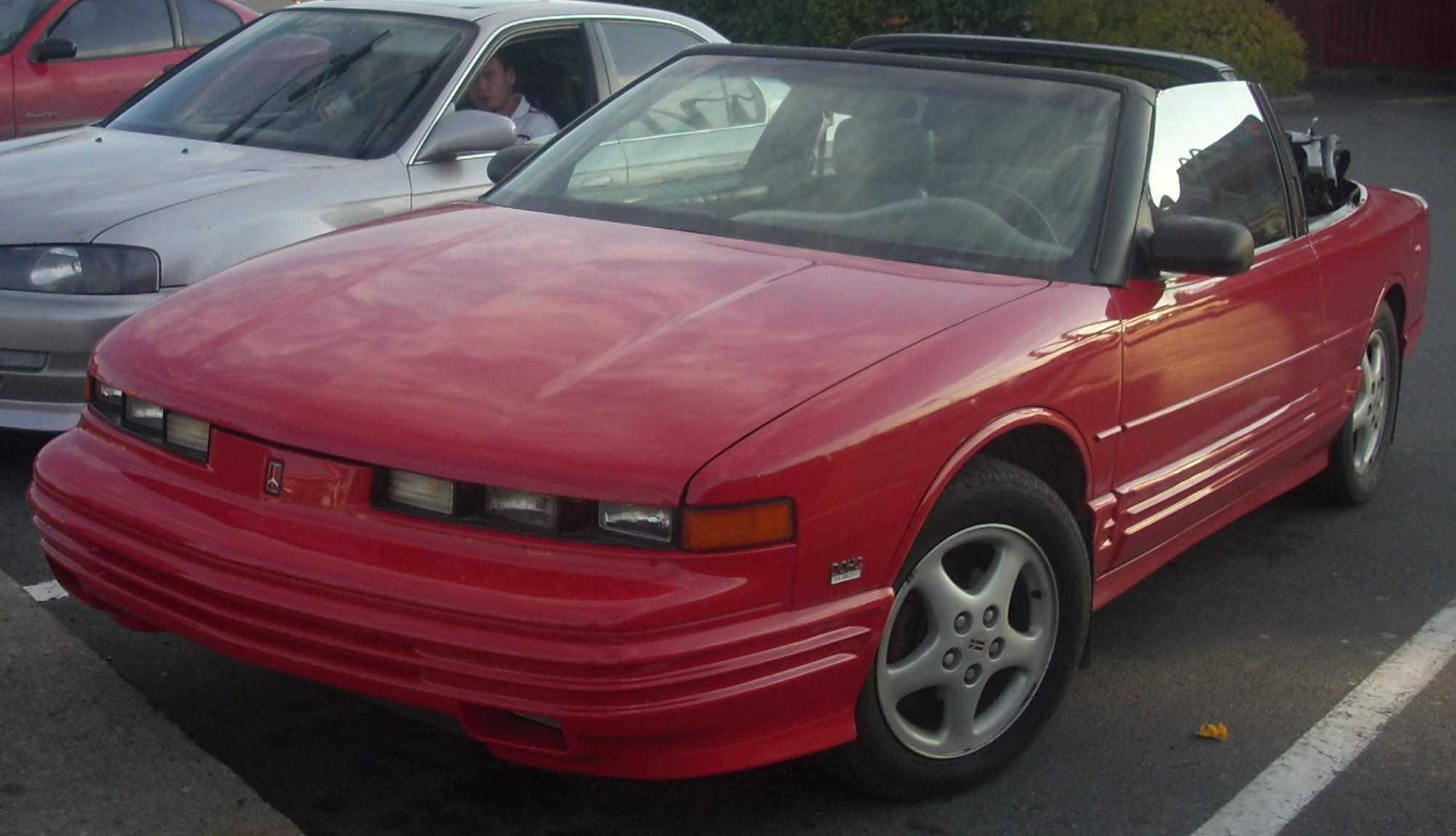 Oldsmobile Cutlass Supreme red #4