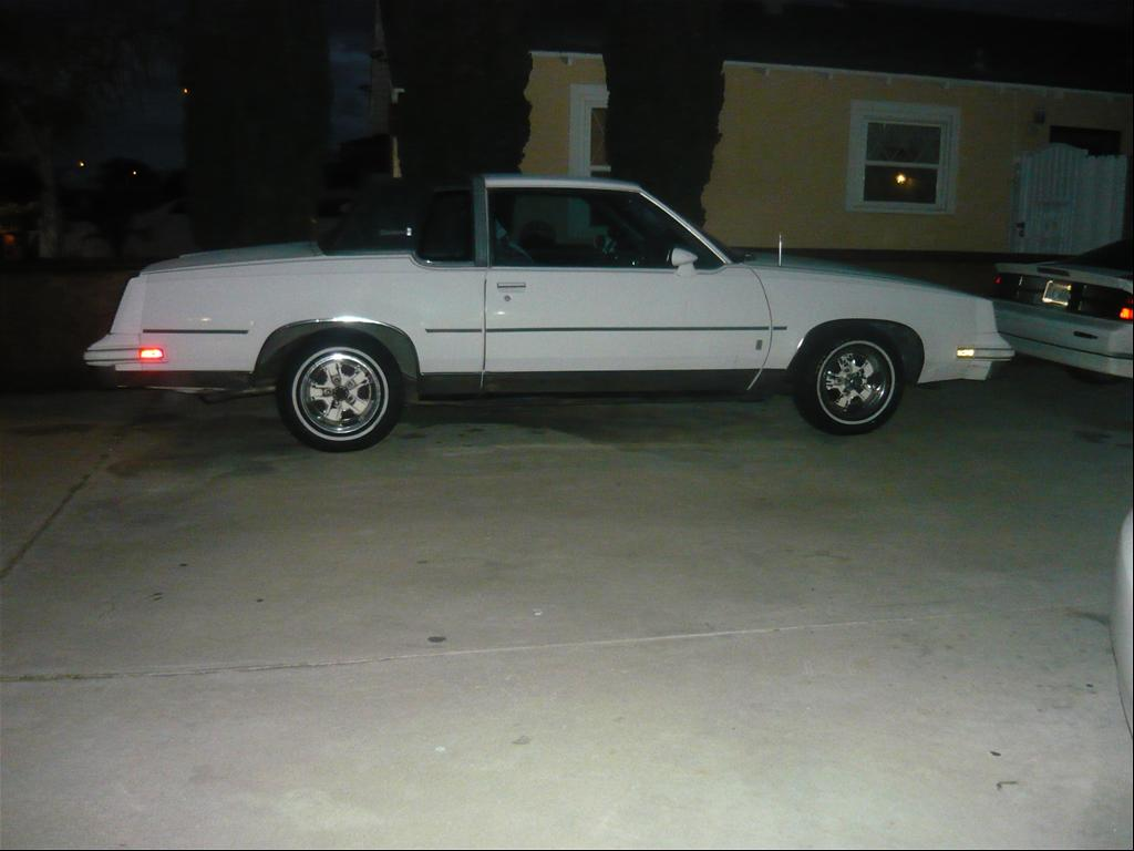 Oldsmobile Cutlass Supreme white #3