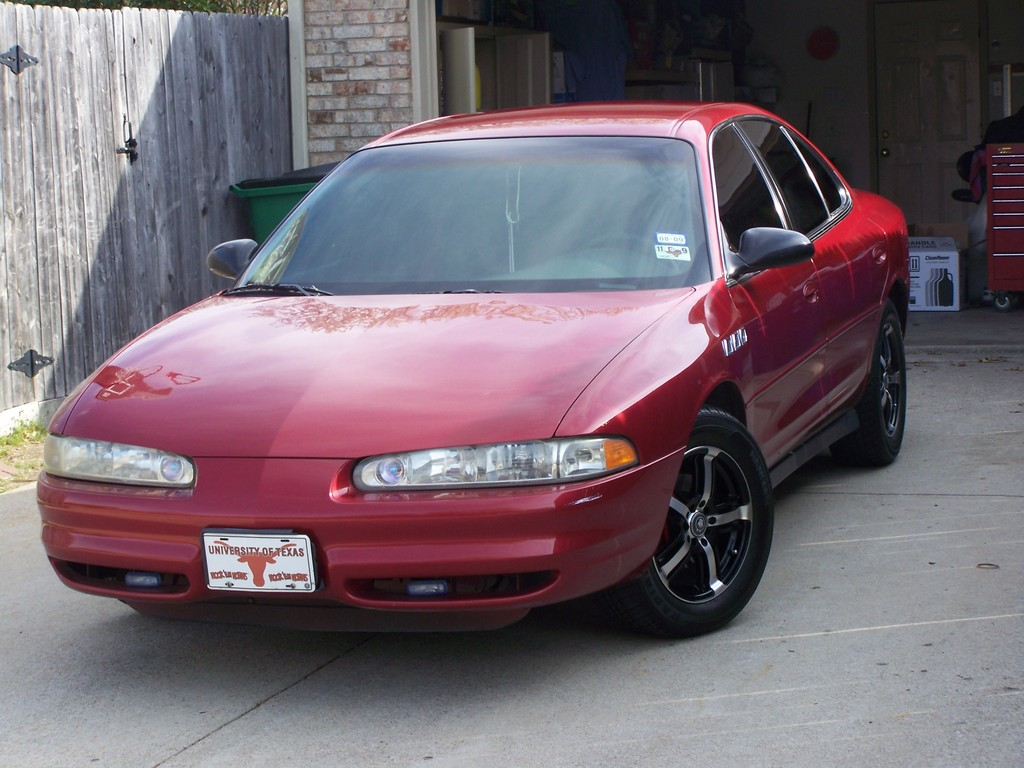 Oldsmobile Intrigue red #2
