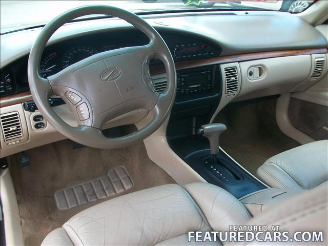 Oldsmobile LSS interior #2