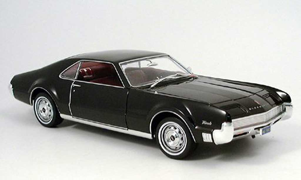 Oldsmobile Toronado black #2