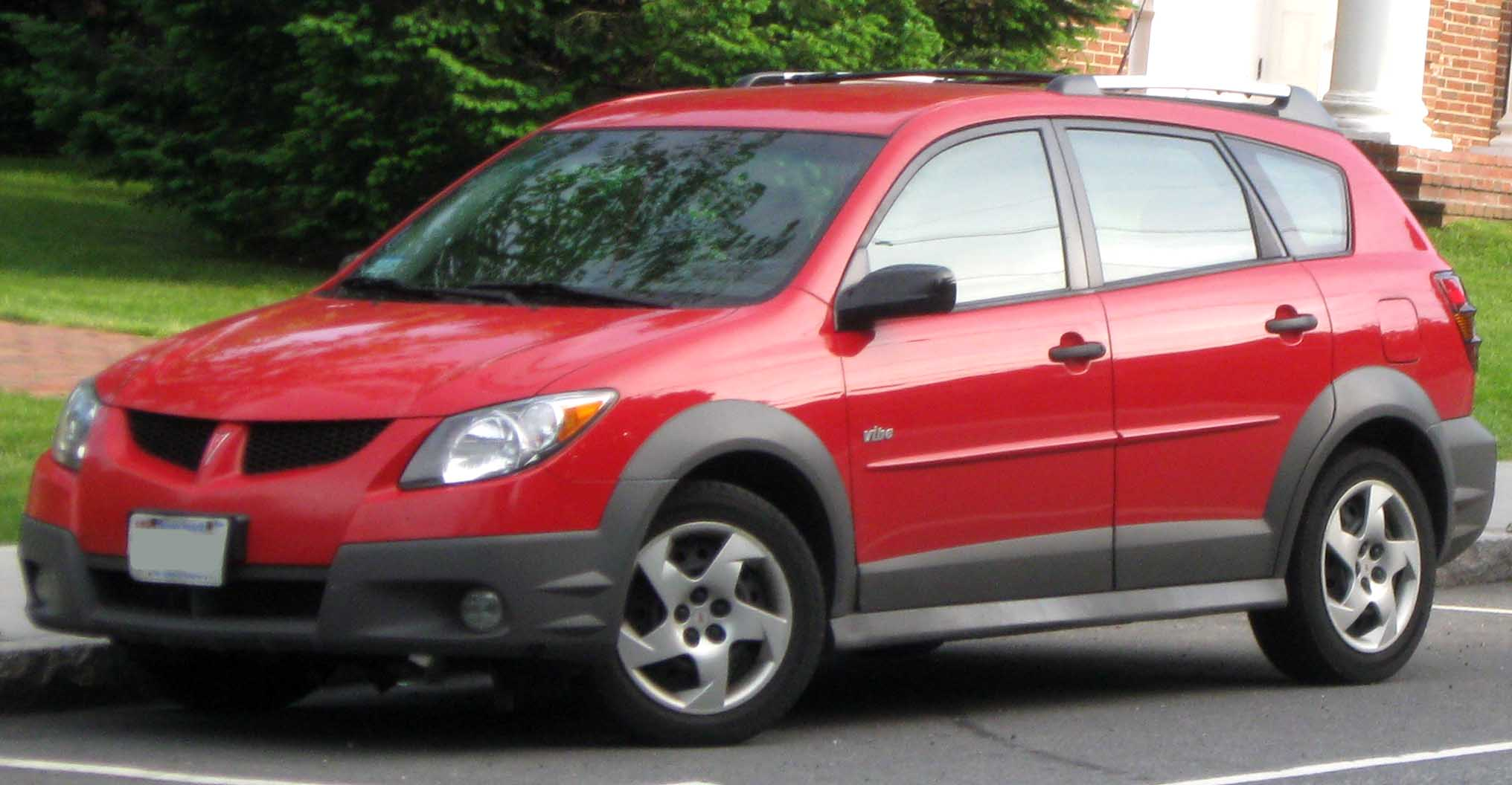 Pontiac Vibe red #2