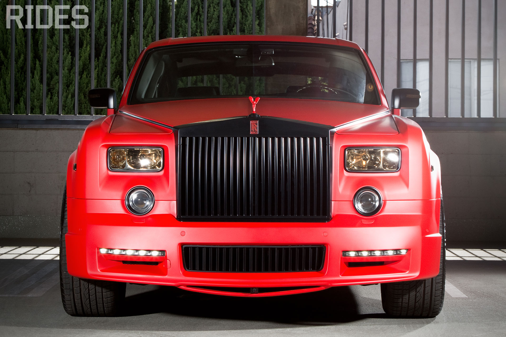 Rolls-Royce Phantom Coupe red #4