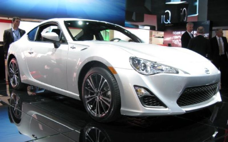 Scion FR-S white #1