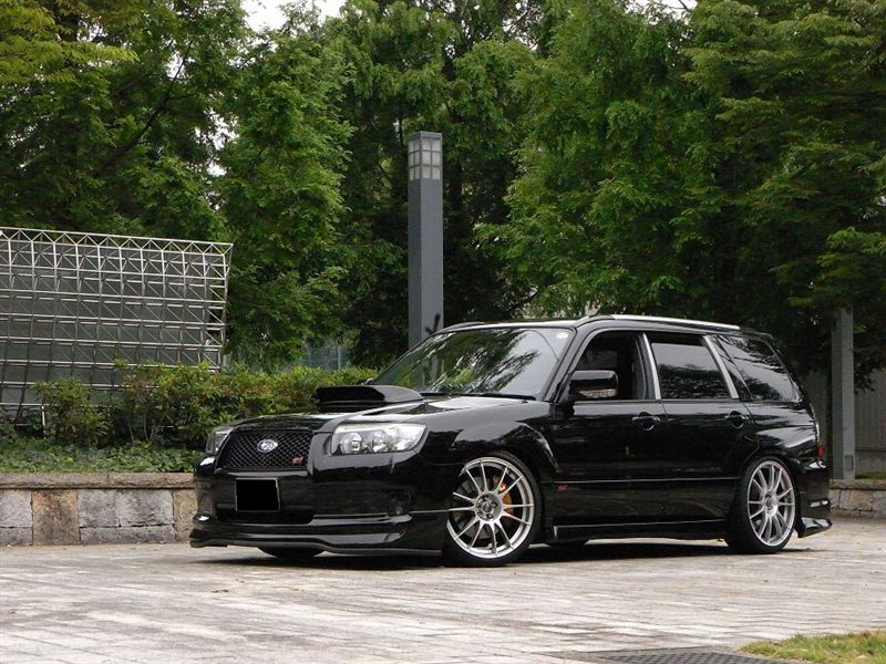 Subaru Forester black #1