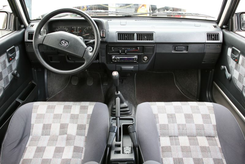 Subaru Justy interior #3