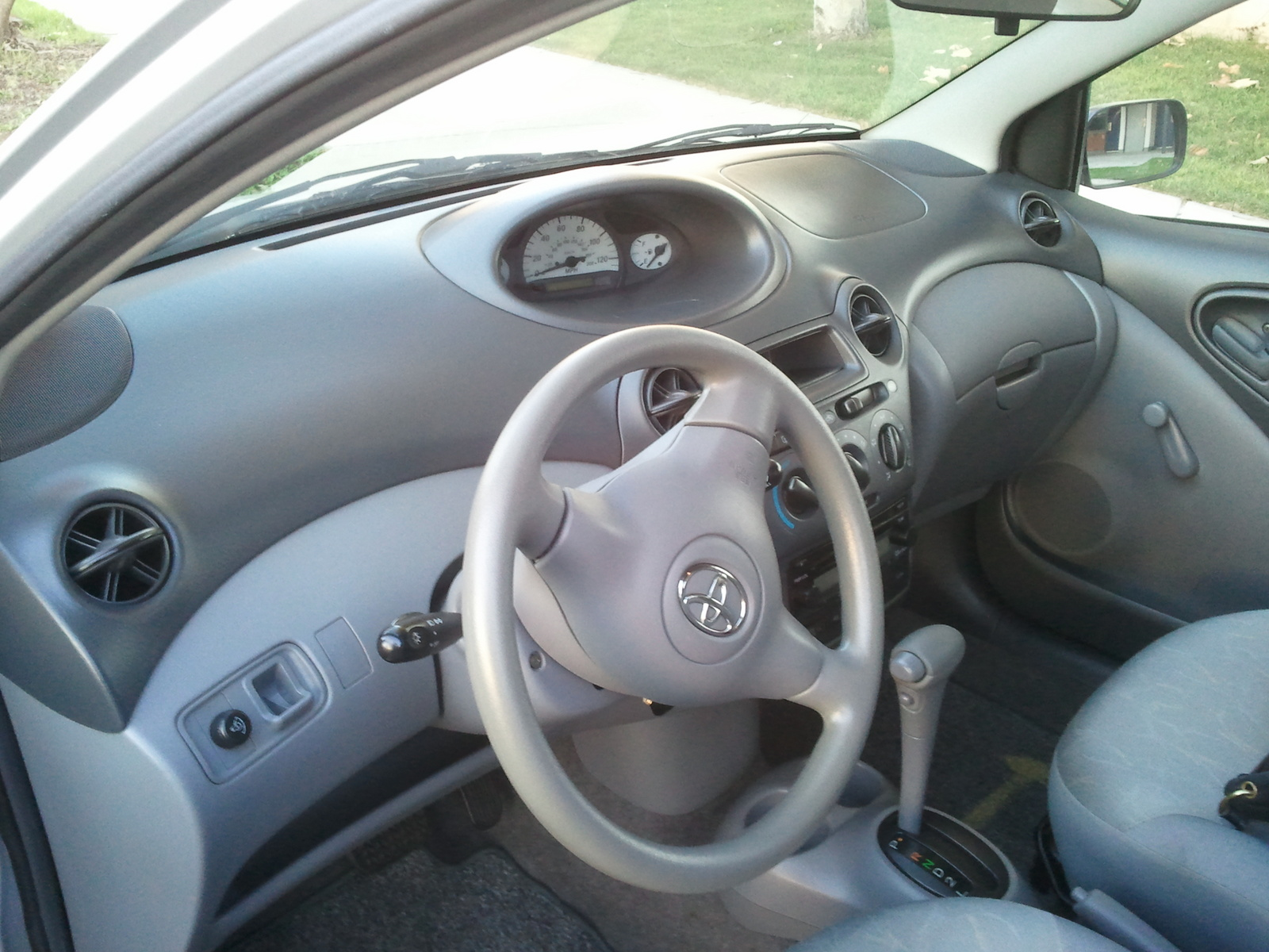 Toyota ECHO interior #1