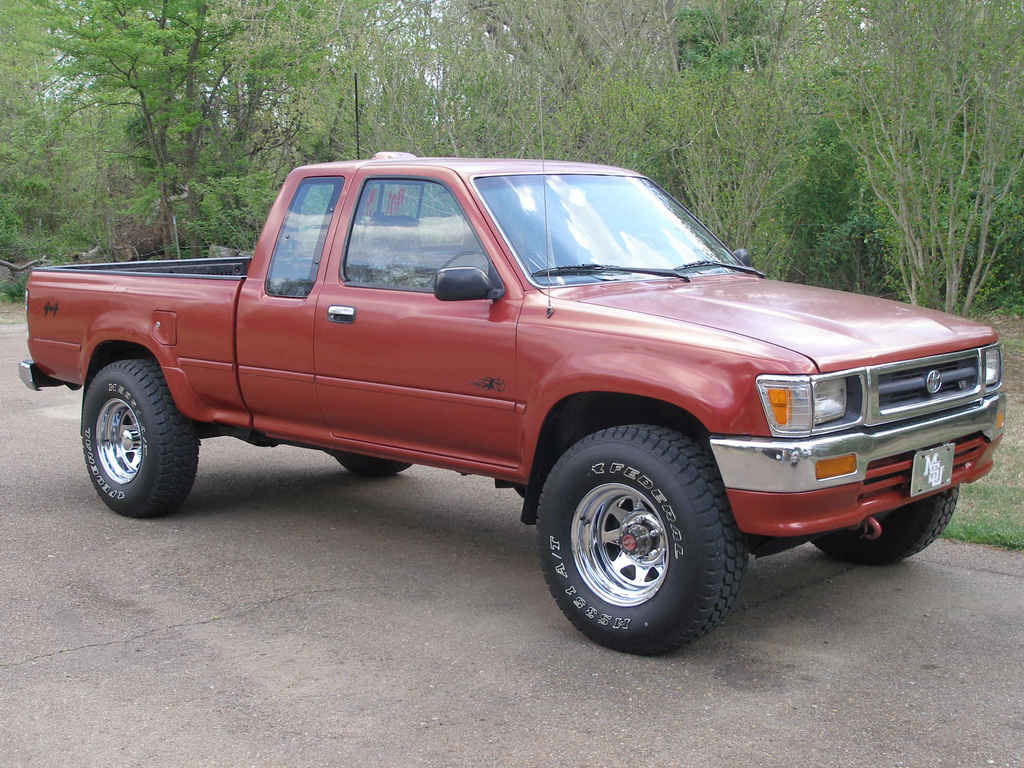 Toyota Pickup red #2
