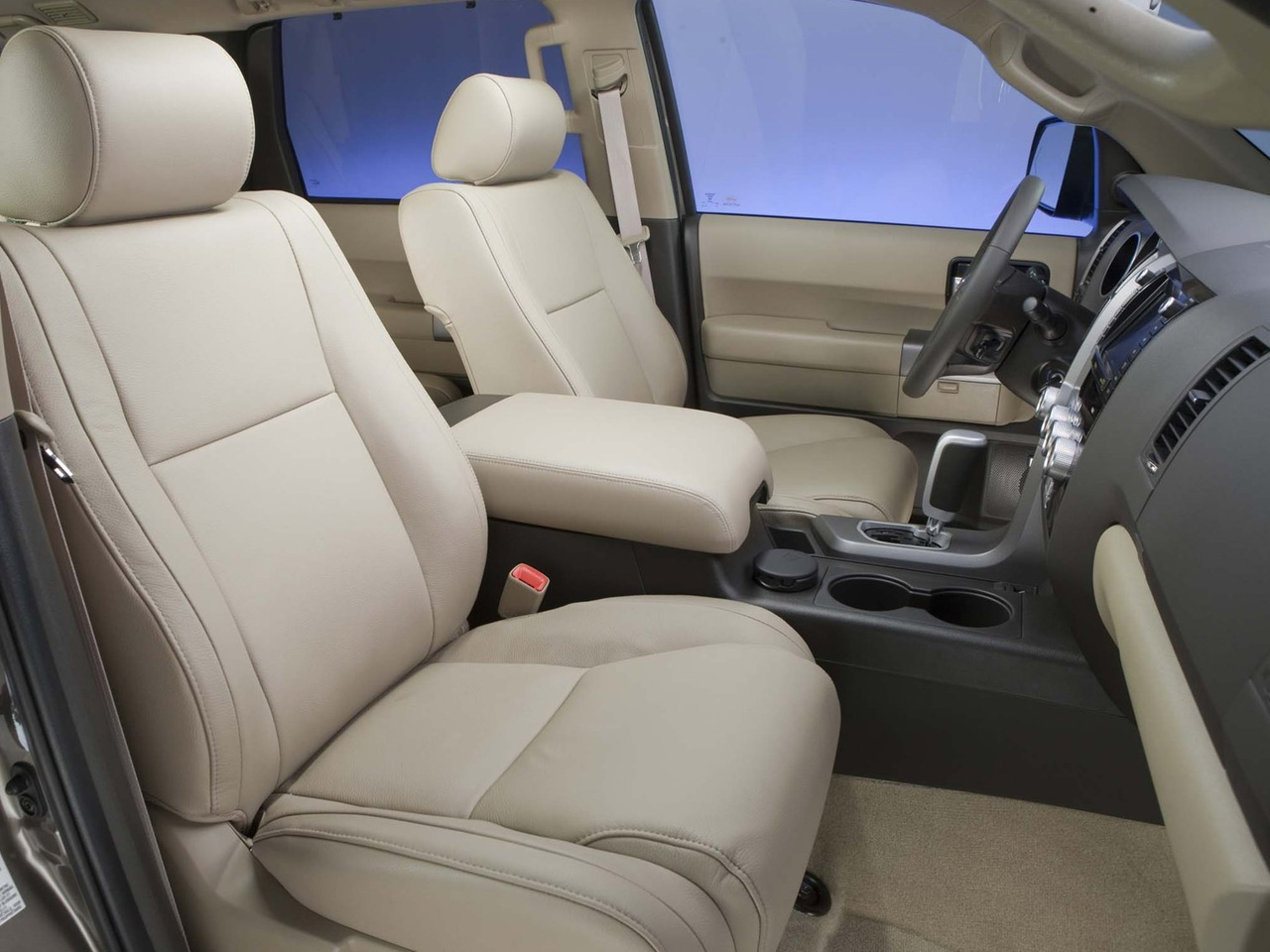 Toyota Sequoia interior #4