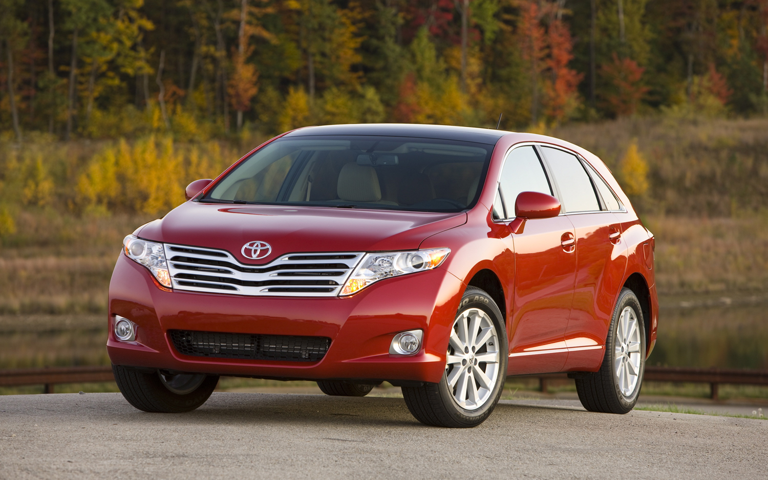 Toyota Venza red #4