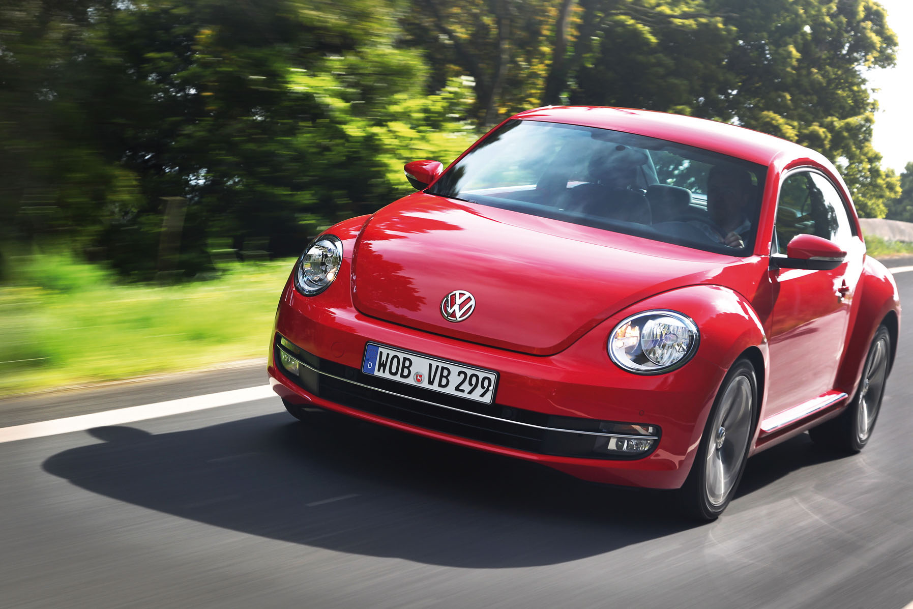 Volkswagen Beetle red #1