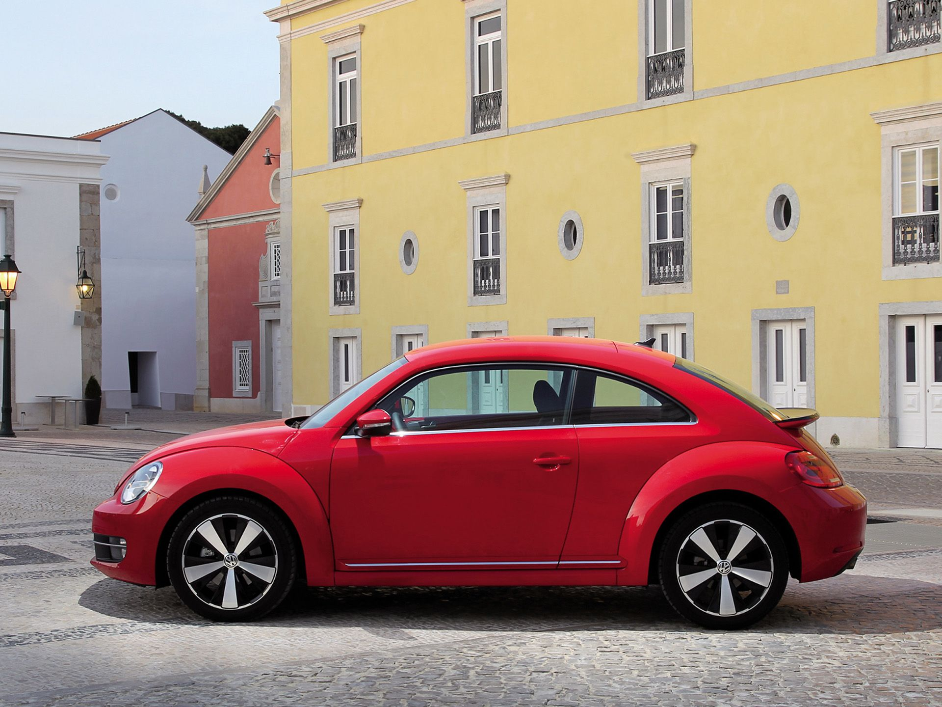Volkswagen Beetle red #4