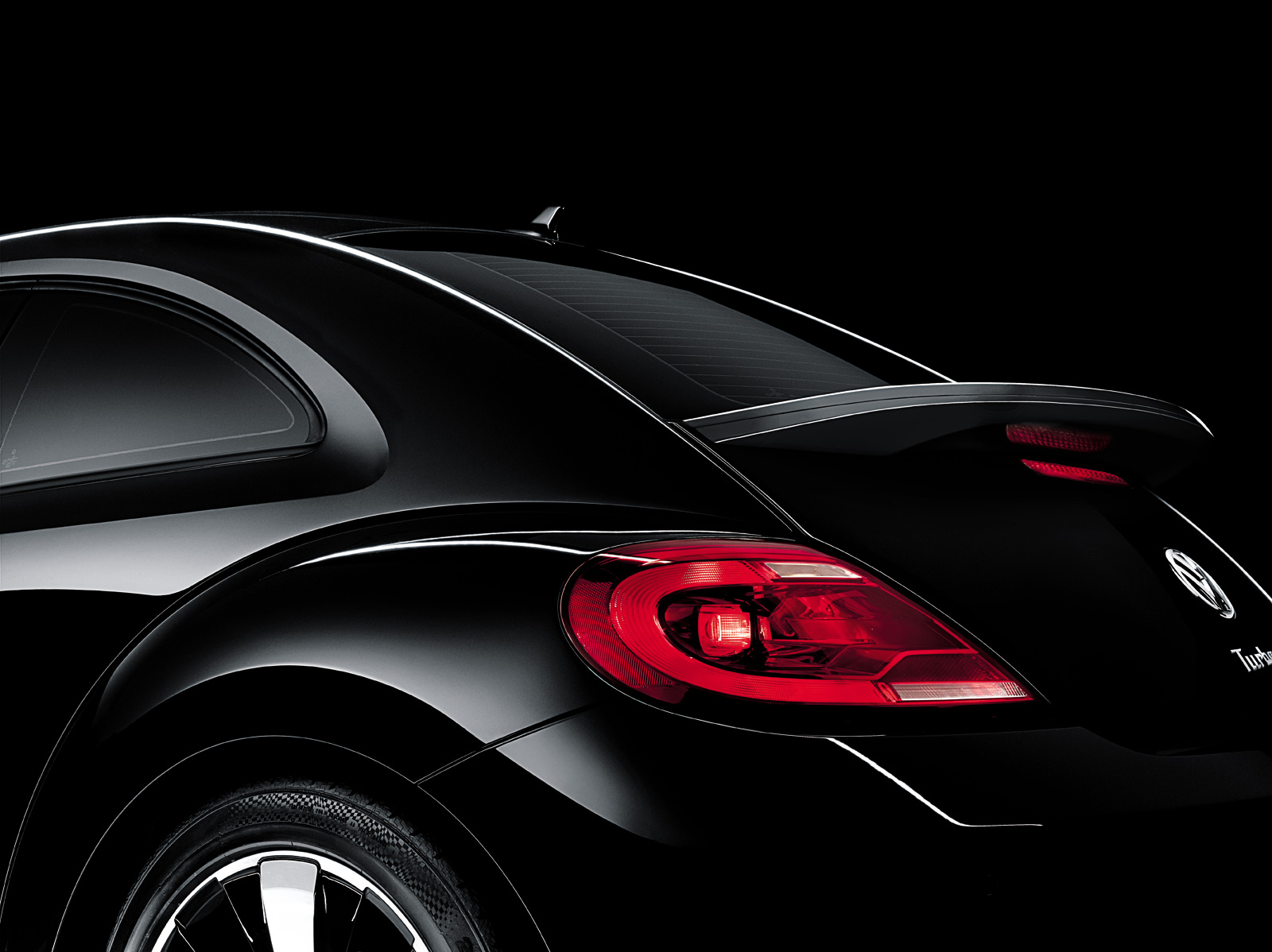 Volkswagen New Beetle black #2