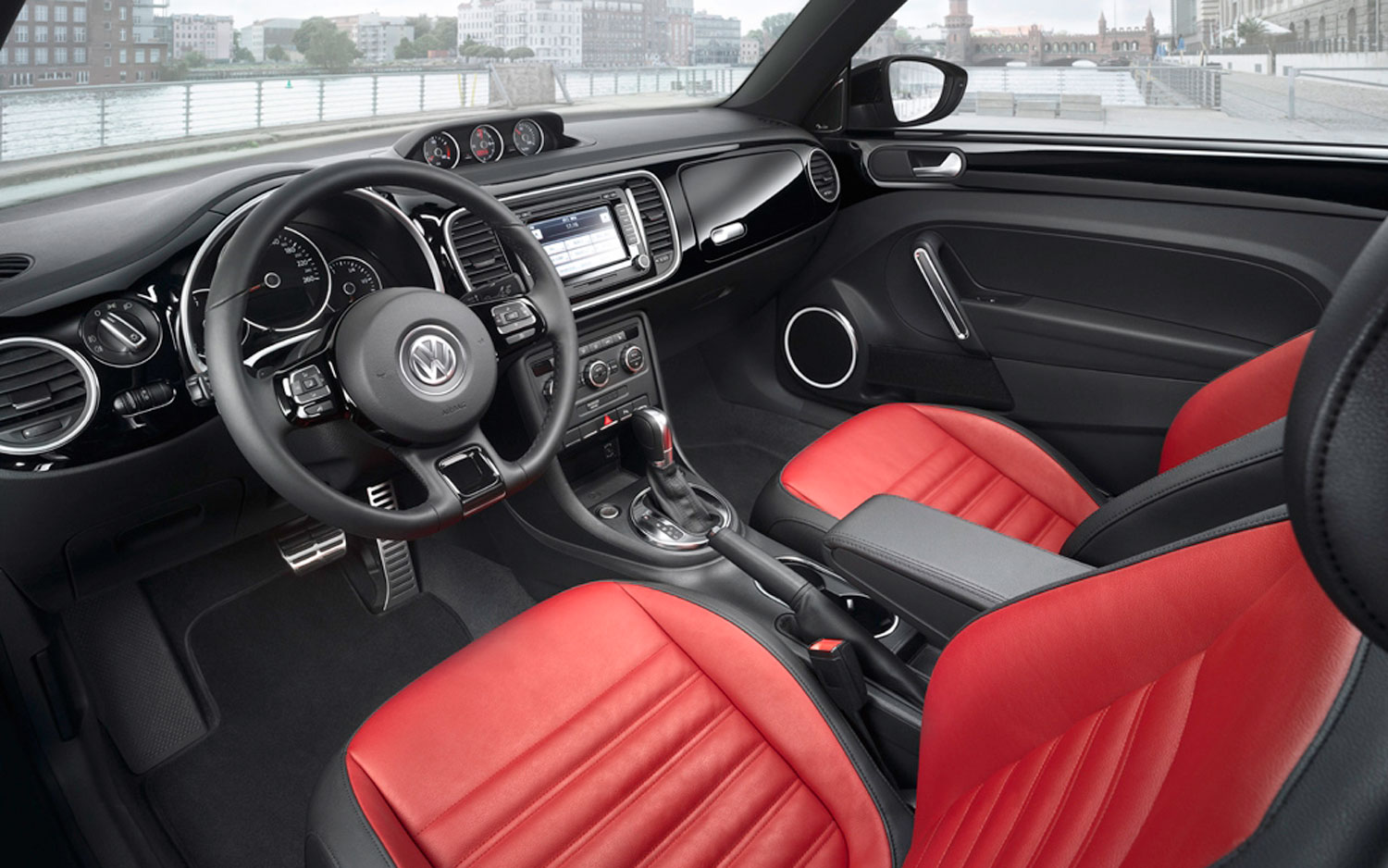 Volkswagen New Beetle interior #3